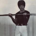Biceps – zdvihy veľkou činkou