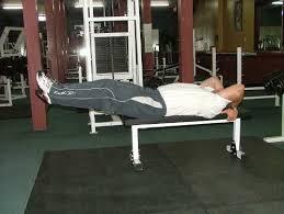 zdvihanie noh na lavičke
