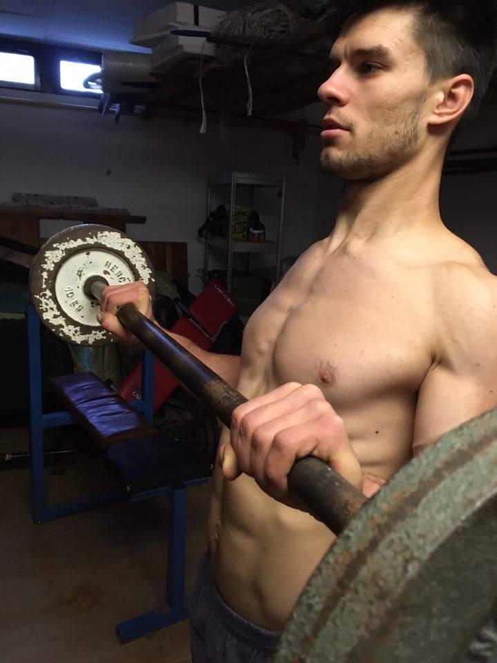 biceps-nadhmatom